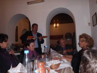 070112-z-mandoline-in-greece