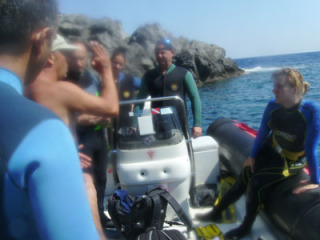 boat-diving-in-crete8934719