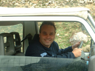 jeep%20safari%20in%20crete%2030122004[1]