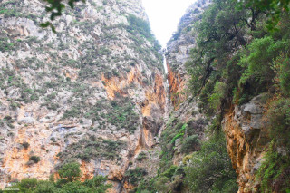 00-Unique-walks-through-the-beautiful-scenery-of-untouched-Crete