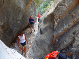 04-Hiking-in-Crete-Gorges