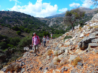 05-Hiking-around-Hersonissos-crete