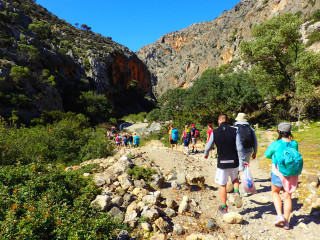 walking-and-hiking-in-crete-for-one-week-in-frango