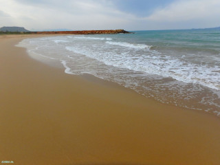 03-beach-walking-on-Crete