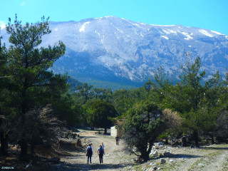 01-day-hikes-in-Crete
