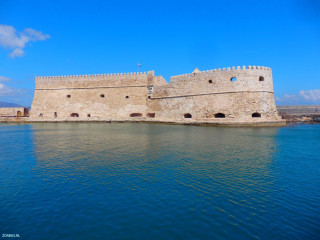 01-het-fort-van-Heraklion-in-de-haven