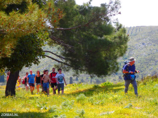 01-walking-holidays-in-April-crete---0745