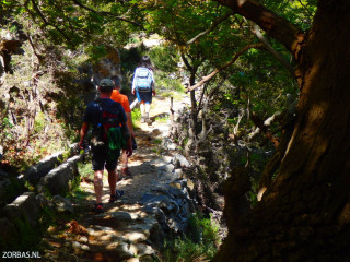 06-hiking-in-crete-kavousi-trail-greece