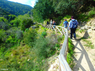 Walking-in-greece-in-small-groups
