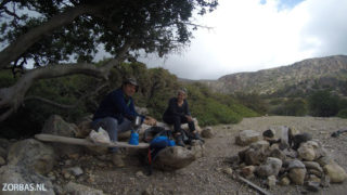 walking-and-camping-on-crete
