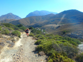 03-walking-in-south-crete-4776