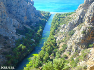 04-walking-in-south-crete-4795