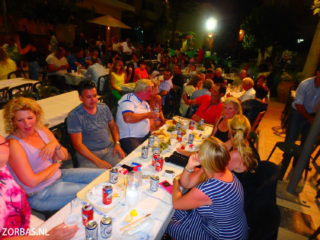 07-village-party-in-crete-3490