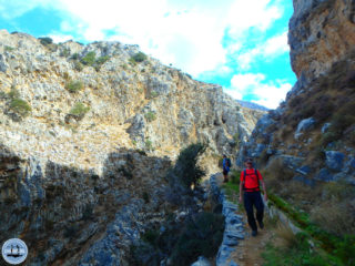 hiking-on-greek-islands-354