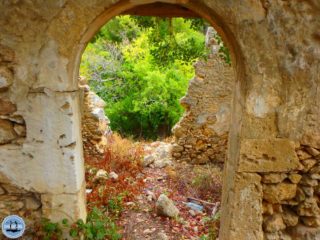 walking-in-rethimnon-crete-78