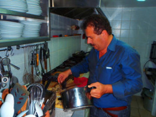140512-zorbas-cooking-in-crete