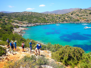 01-walking-holidays-in-greece-9670