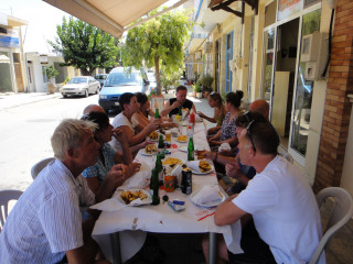 040913-lunch-op-kreta