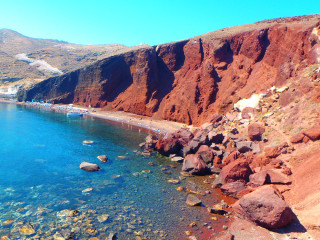 100612-santorini-red-beach