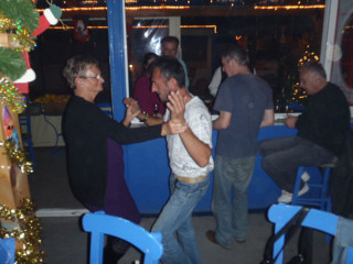 25122010-partyuy324