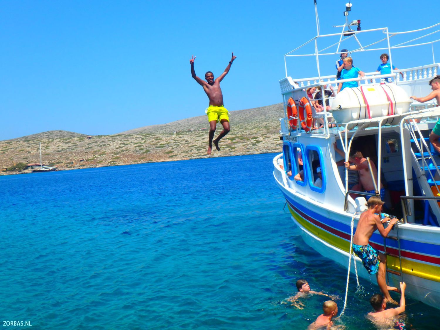 Holidays On Crete Greece Apartment Rental And Accommodation All Year Round It Is The Perfect Place For Family Apartments Holiday Homes