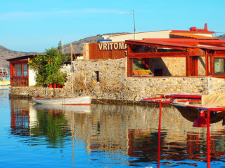 23122010-restaurants-on-crete