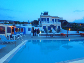 010412-holiday-in-crete