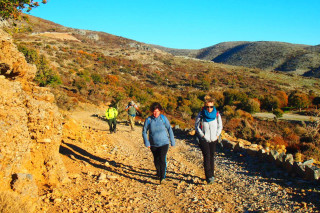 Hiking-to-the-top-of-Psiloritis
