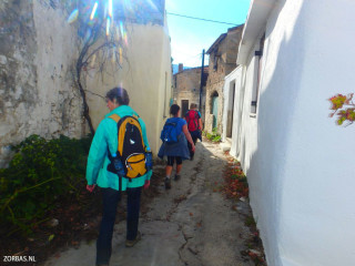 04-walking-old-village-paths-on-crete