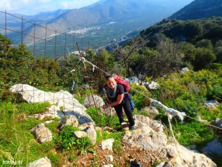 05-Walking-on-South-Crete