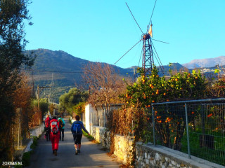 Active-hiking-in-Greece