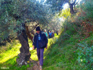 Hiking-in-crete-for-a-week