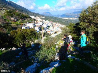 hiking-from-limnes-to-Vrises-crete-greece