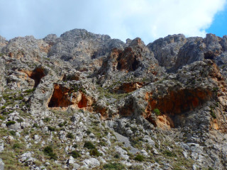 01-mountain-walks-in-crete