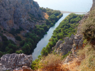 02-canyon-walking-on-crete-0985
