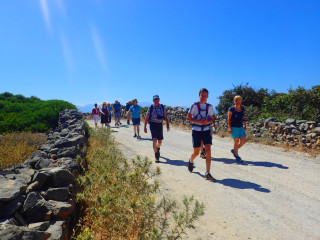 02-walking-holidays-in-greece-9546