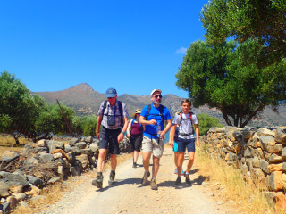 02-walking-holidays-in-greece-9556