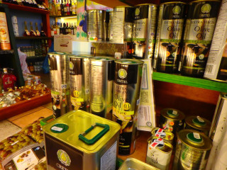 03-Cretan-Greek-Extra-Virgin-Olive-Oil
