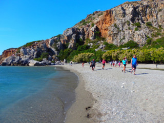 03-beach-walks-in-crete