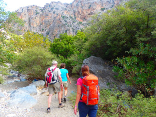 03-walking-all-crete-3425242
