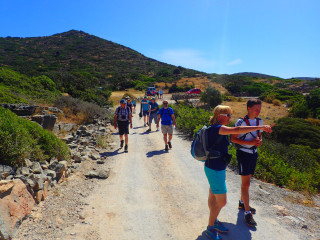 03-walking-holidays-in-greece-9544