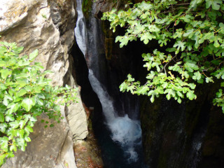 04-canyon-walking-on-crete-1145