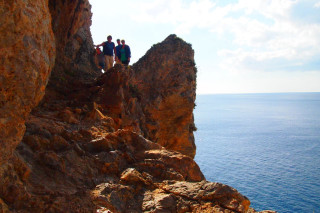 05-Walks-along-the-coast-of-Crete