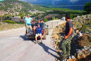 14-group-walking-holidays-in-north-Crete