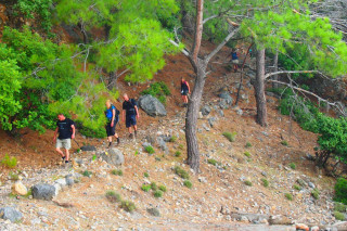 24-Walking-tours-through-crete
