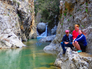 canyon walking in crete 8422