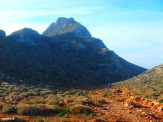 trail-in-south-west-Crete