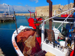 01-harbor-of-Crete-heraklion-Greece