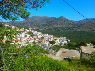 April-holiday-in-Crete