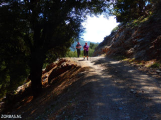 Walking-in-small-groups-on-Crete